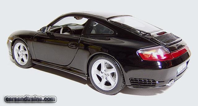 Diecast King Maisto Porsche Carrera 4s